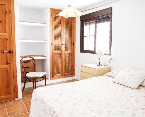 Adosado con porche dormitorio planta baja