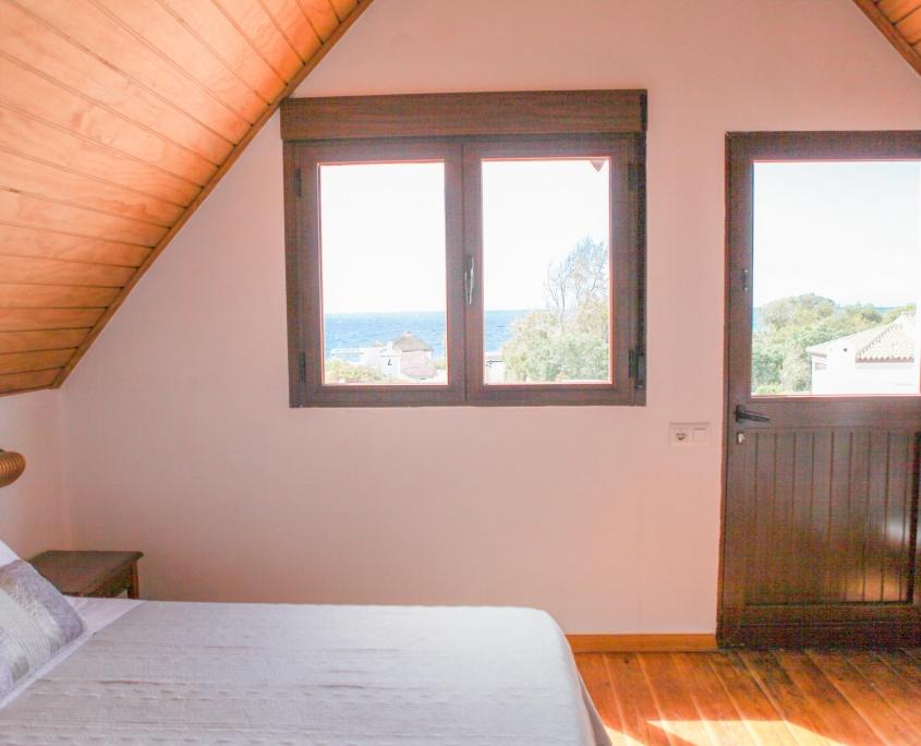 duplex con vistas al mar desde el dormitorio